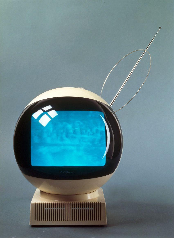 Videosphere TV set, 1970/71. Yokohama Plant Victor Company of Japan / JVC. Museum für Angewandte Kunst Köln, via RBA