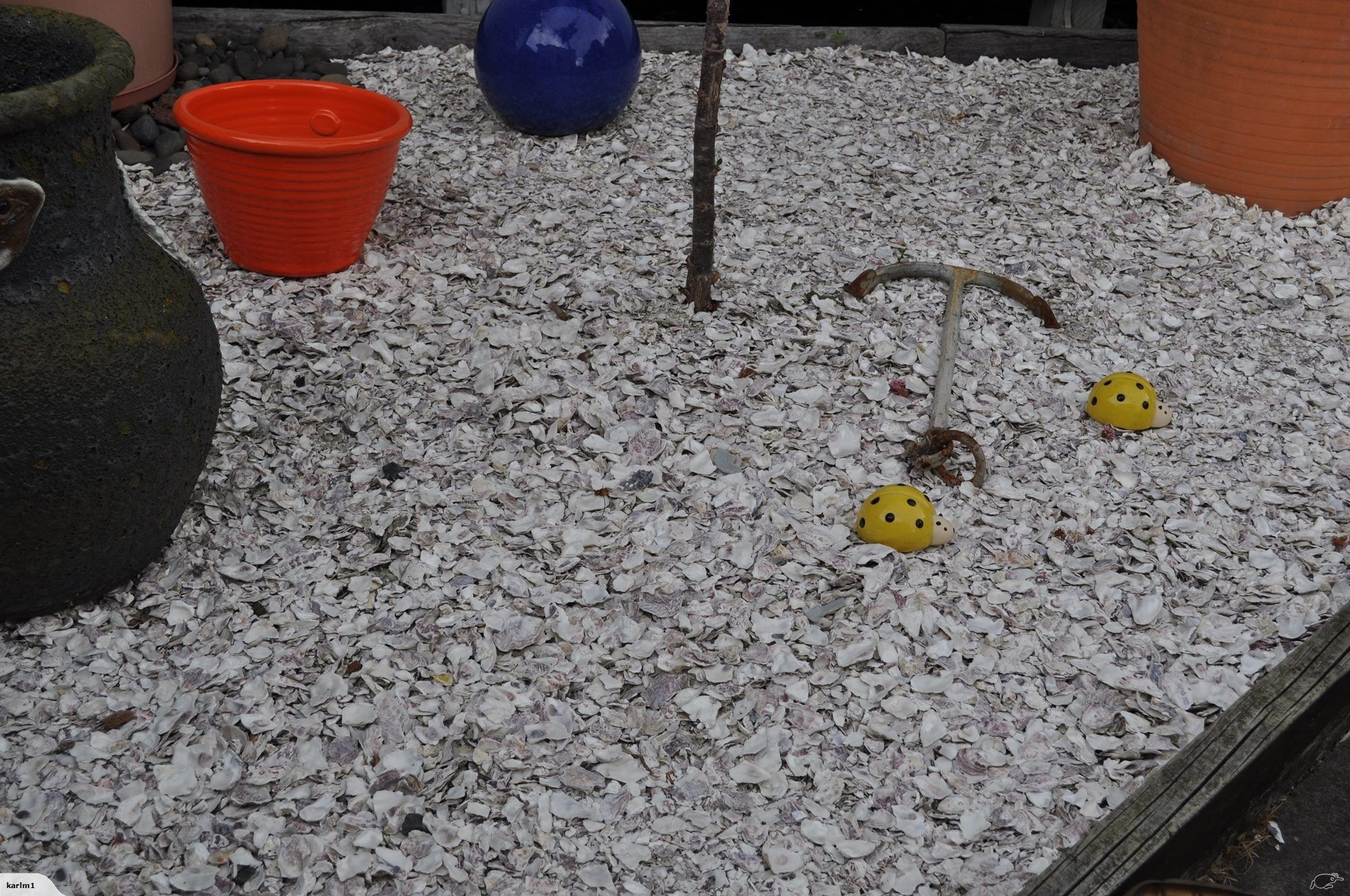 We have crushed oyster shell which is ideal for driveways for Crushed oyster shells for landscaping