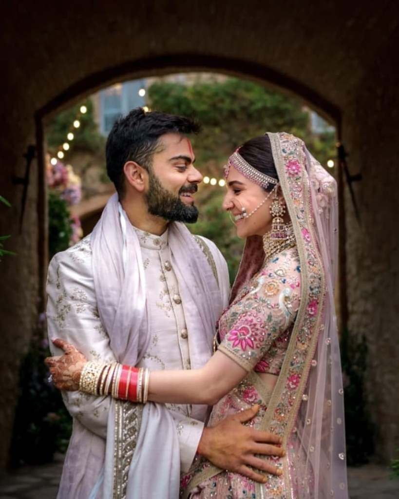 The Real Anushka Sharma Deepika Padukone Lehenga Cost Frugal2fab Deepika Padukone Lehenga Indian Wedding Couple Virat Kohli And Anushka