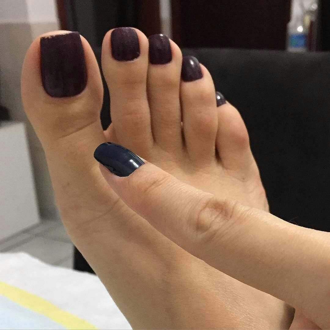 long sexy naked toes