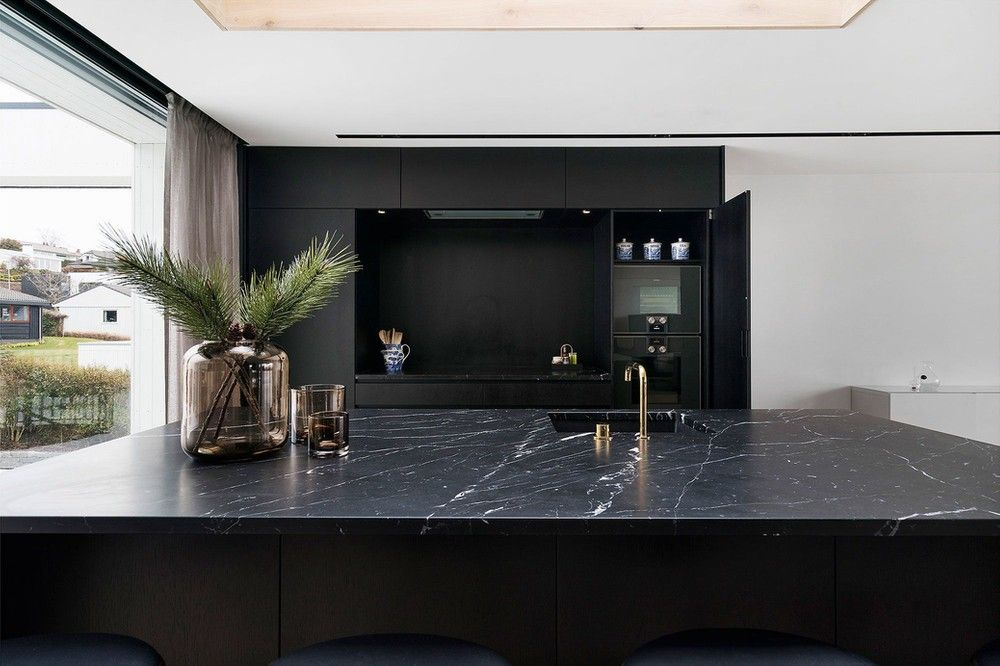 رخام اسود انواع الرخام رخام مستورد اسود اسباني مطابخ رخام Home Stairs Design Home Marble Price