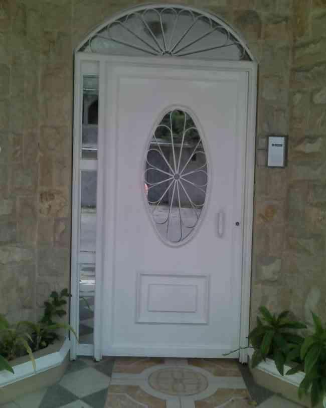 Puertas metalicas guayaquil otras ventas estructuras for Modelos de puertas metalicas