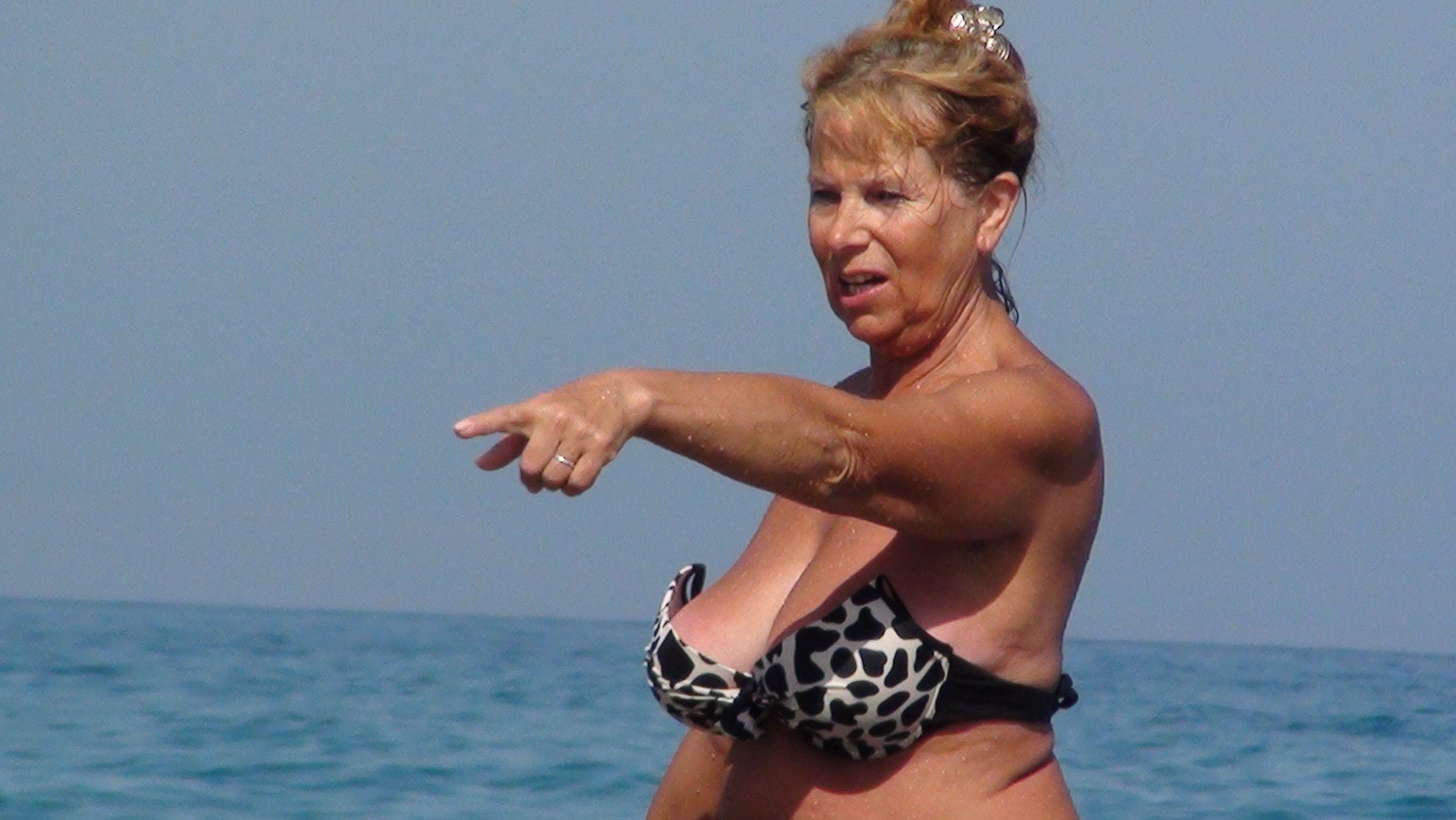 Gotcha  Hey  Pinterest  Beach Bum-9735