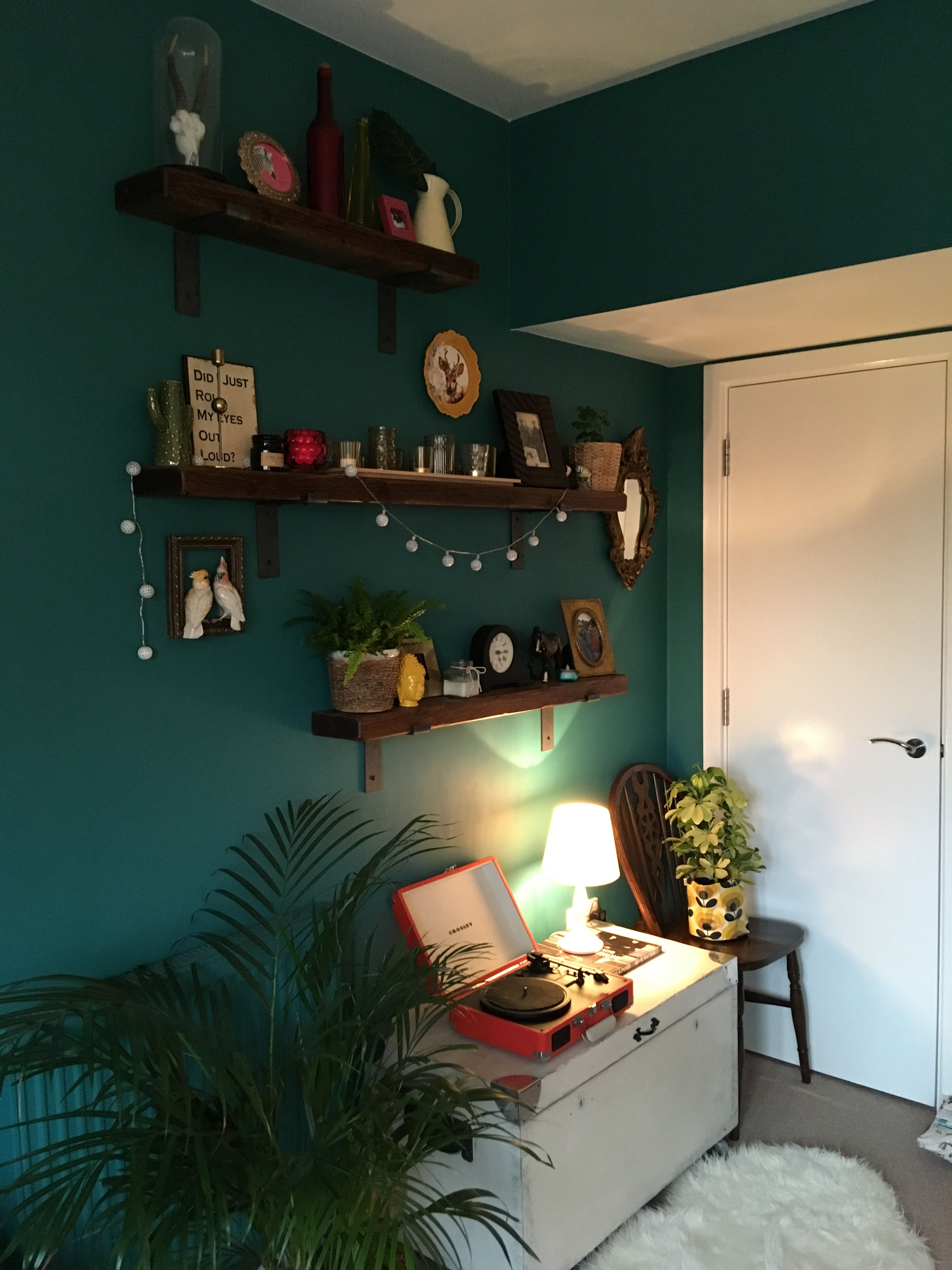 Proud Peacock By Dulux Painted Wall Such A Beautiful And Warming Colour Music Room Decor Interior Design Living Room Peacock Living Room #peacock #living #room #ideas