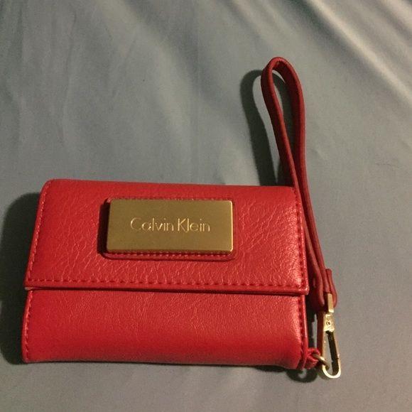 Calvin Klein wallet purse Calvin Klein iPhone 5 & 5s wallet/holder Calvin Klein Bags Clutches & Wristlets