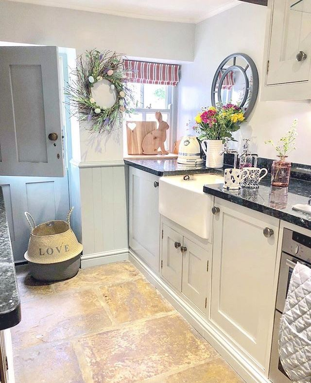 Pin by Mannitasierink on Keukens in 2019 | Cottage kitchens ...