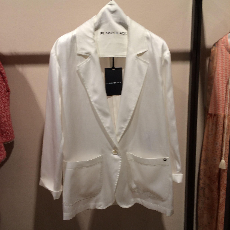 chaqueta seda blanca