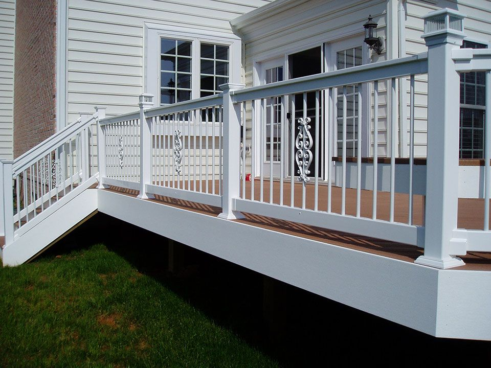 Custom Decks And Rails Creative Deck Designs Baltimore Md Deck Railing Systems Deck Railing Design Stair Railing Design