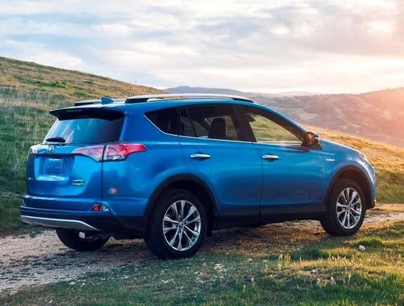 The 2016 Toyota Rav4 Hybrid Suv Is Toyota S Way Of Letting Its