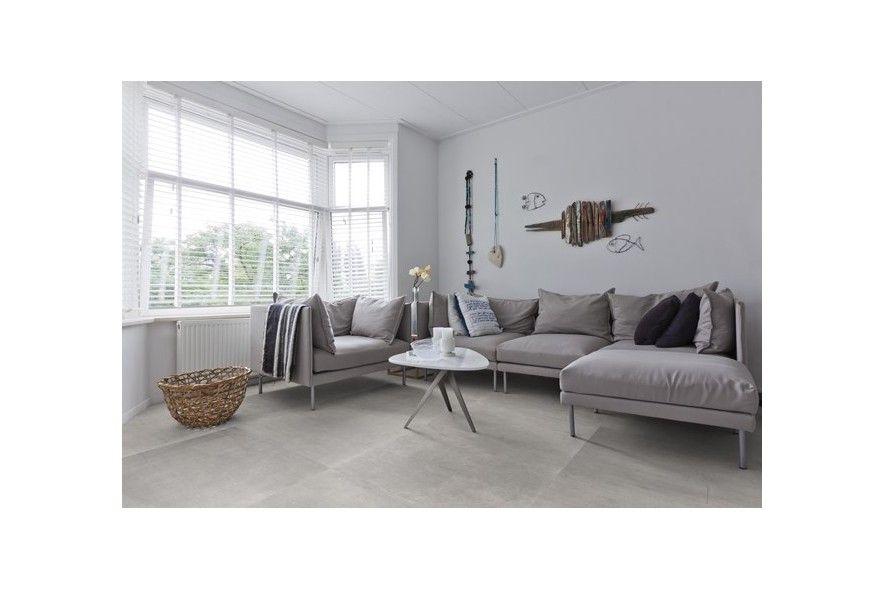 betonlookkeramische tegel woonkamer gietvloer beton