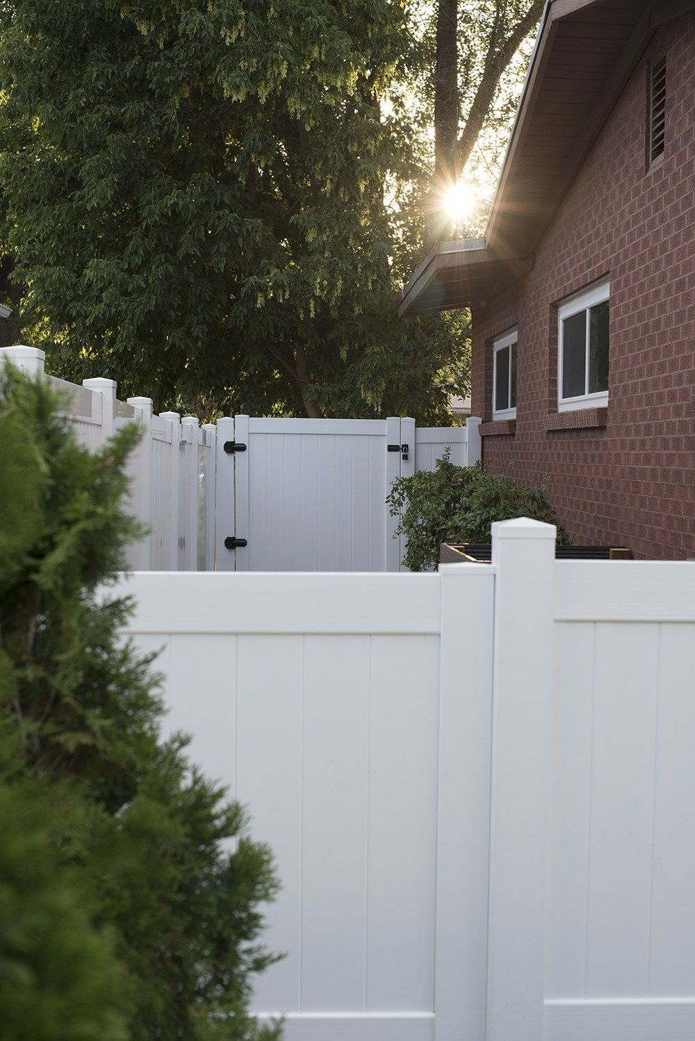 3 Day Project : Transforming Our Side Yard #sideyards