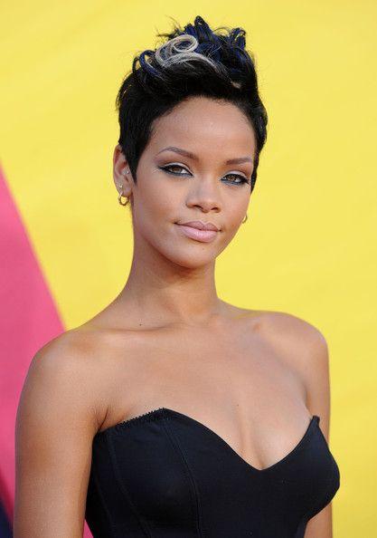 Rihanna DIEULOIS