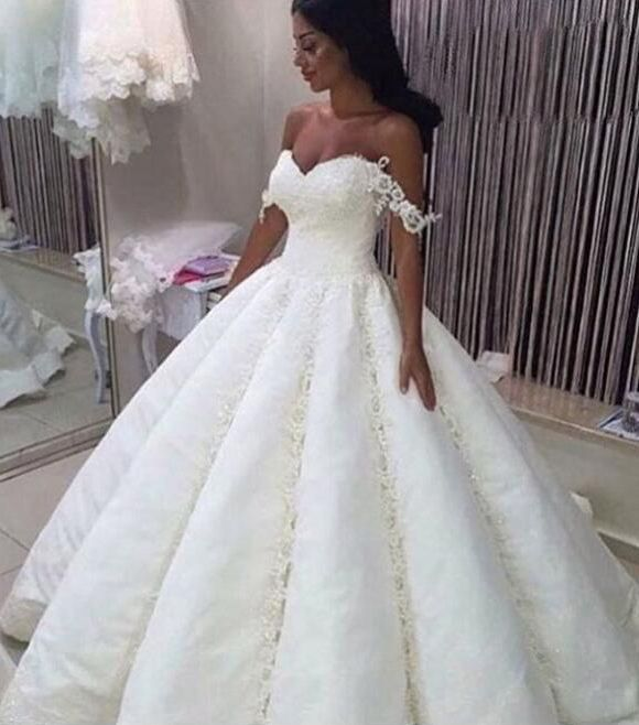 Elegant lace wedding dress ball gown off the shoulder for Elegant wedding dresses 2017