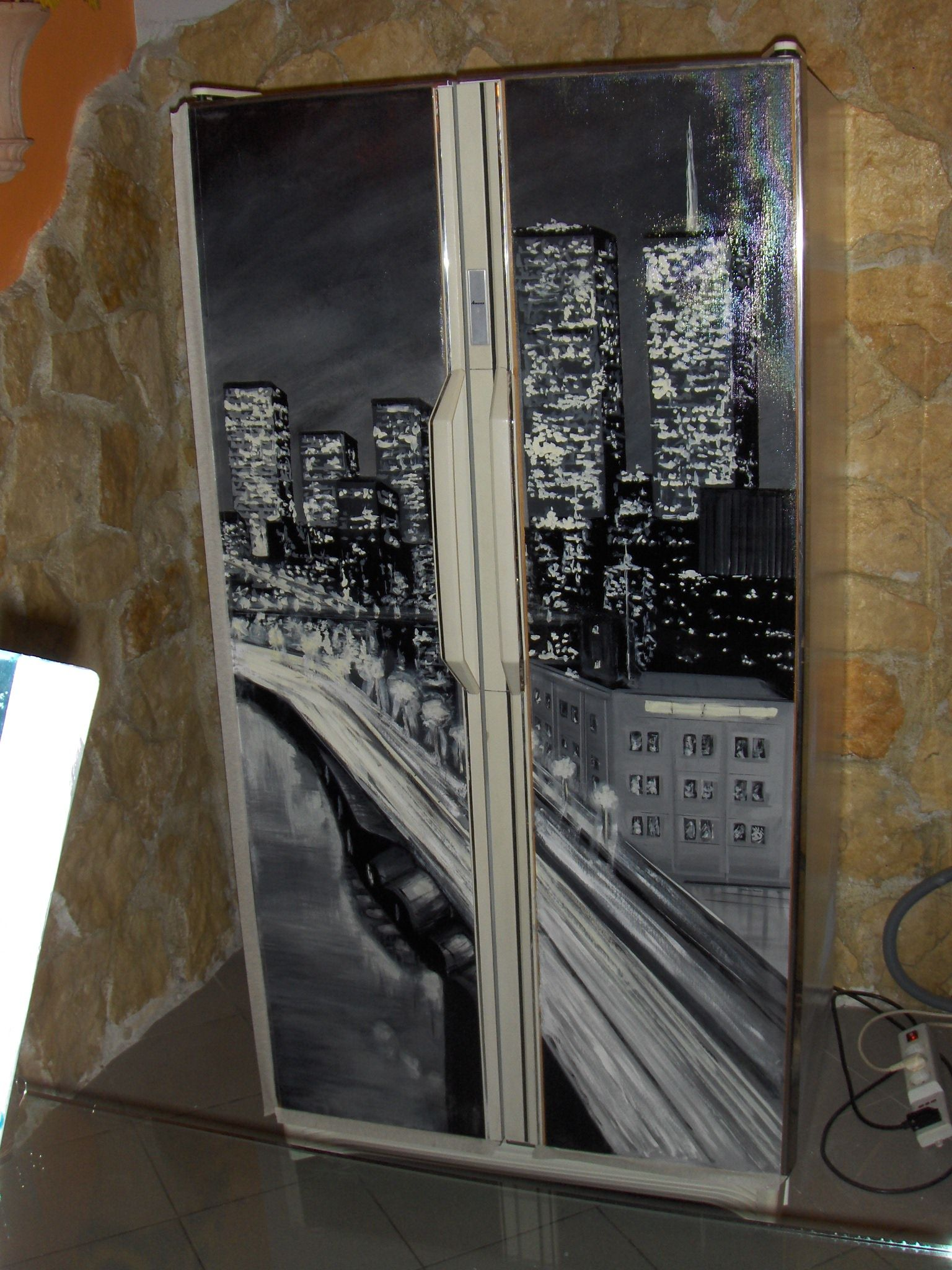 Frigorifero vintage con applicazione tela dipinta for Frigorifero arredo