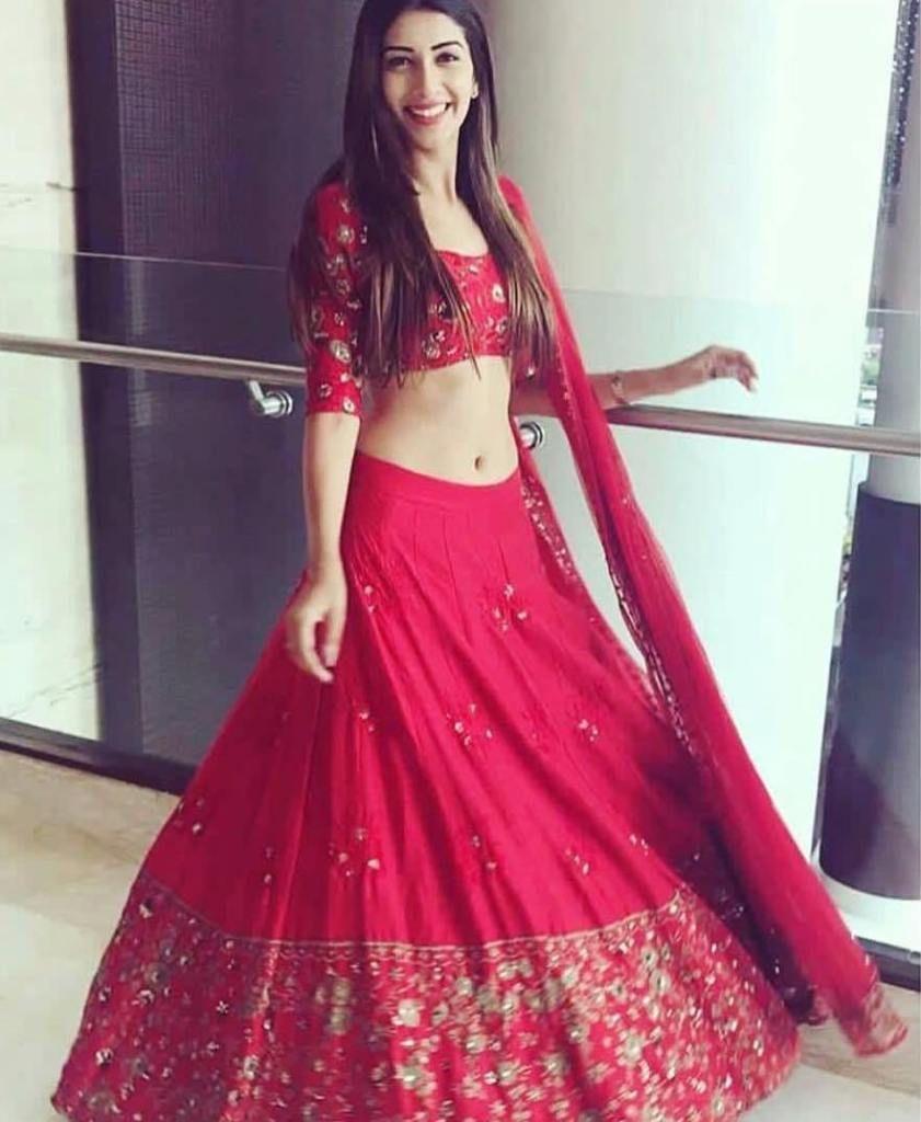 Priyanka Chopra Sabyasachi Lehenga Cost Similar Budget Lehengas In Red Frugal2fab Designer Bridal Lehenga Indian Designer Outfits Sabyasachi Lehenga Cost