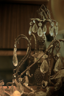 old broken glass minnesota metal bronze photoshop canon 50mm crystal box basement used chandelier pineapple northdakota boxes fargo moorhead ivanclow