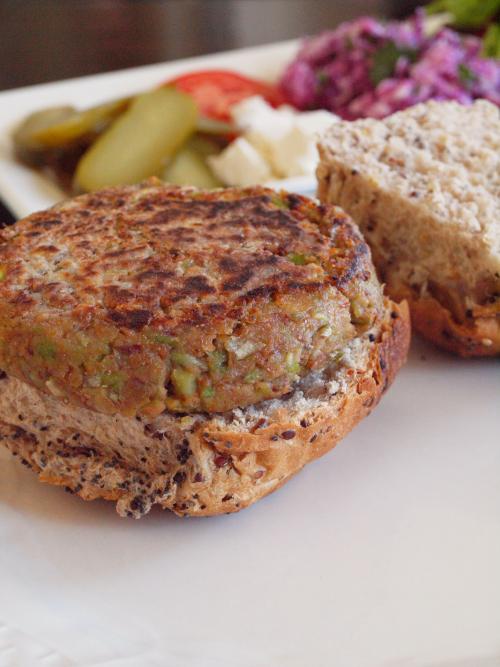 vegetarischer burger rezept jamie oliver beliebte gerichte und rezepte foto blog. Black Bedroom Furniture Sets. Home Design Ideas