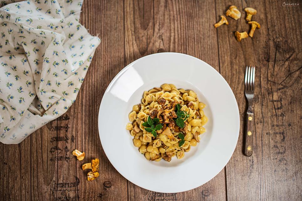 rezept f r eine herbstliche eierschwammerl pasta gesund essen trinken herzhaft s ss. Black Bedroom Furniture Sets. Home Design Ideas