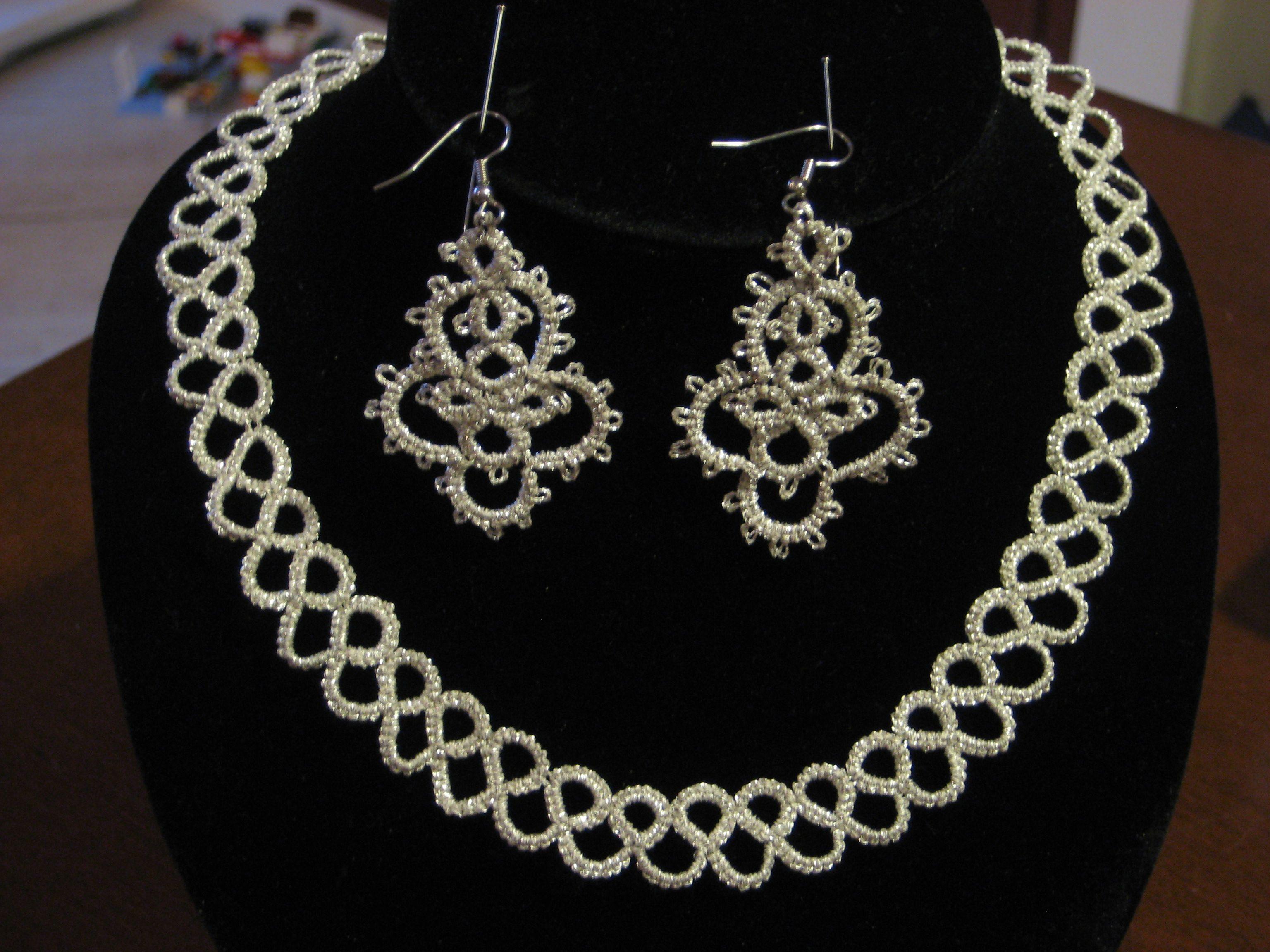 Collana e orecchini in argento