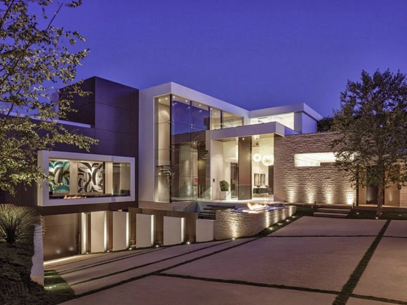 22 Outstanding Modern Mansions For Luxury Living Beverly Hills Houses Modern Driveway Modern Mansion