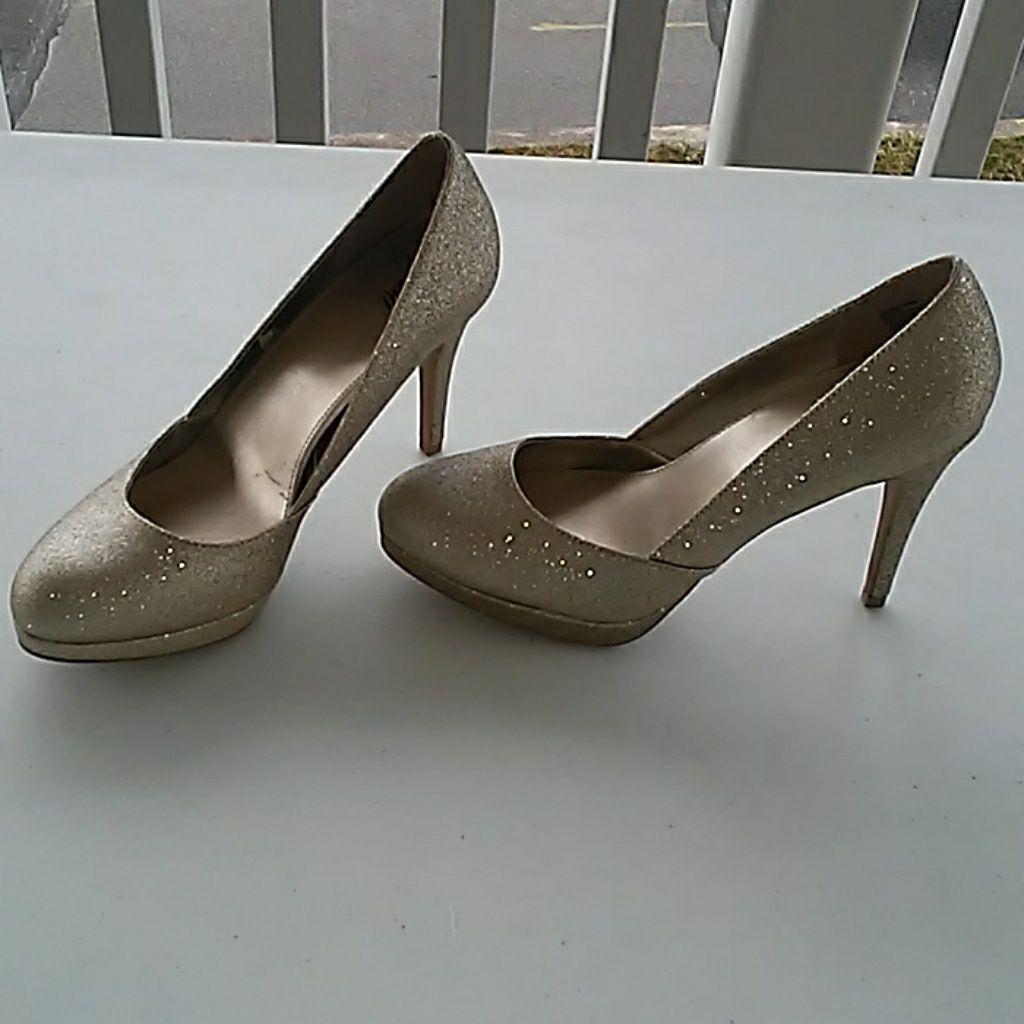 Fioni Metallic Gold Silver Heels Size 6 1 2 Silver Heels Heels Round Toe Heels