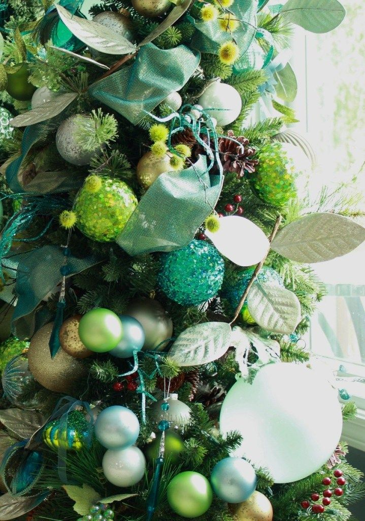 Easy Ideas For Decorating An Elegant Christmas Tree
