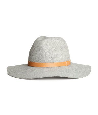 Light grey felted wool hat with contrast band in faux leather.  65b2803ae944