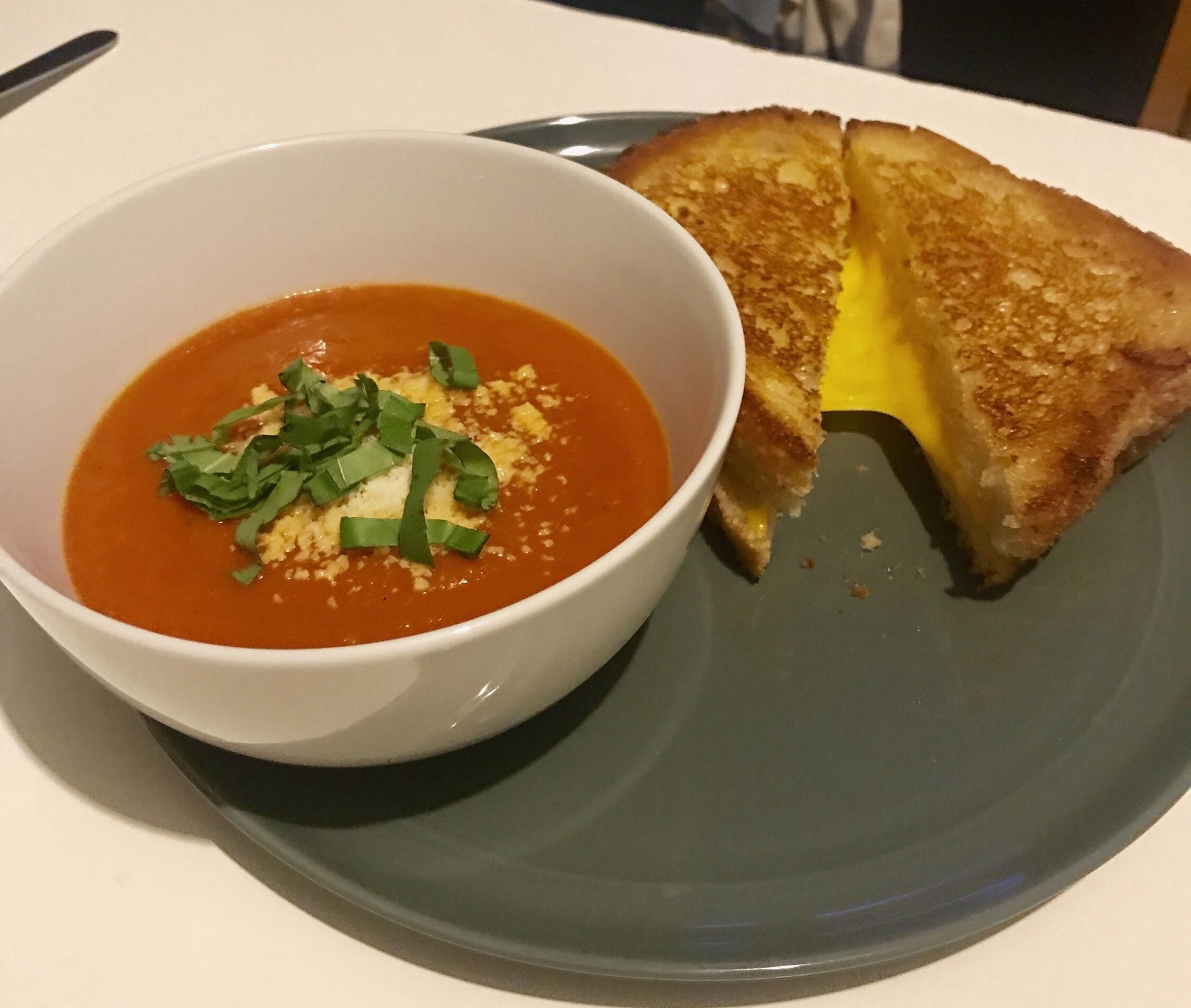 [Homemade] Grilled Cheese & Tomato Soup