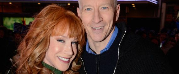 Anderson Cooper Tweets Nude Photo Of Kathy Griffin Says Its Her Nye Outfit Anderson Cooper Kathy Griffin Nude Photo