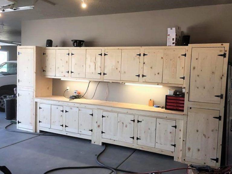 Updated Designs And Ideas Of Reused Wood Pallet Furniture Meuble A Fabriquer Soi Meme Mobilier Maison Armoire Rangement Garage