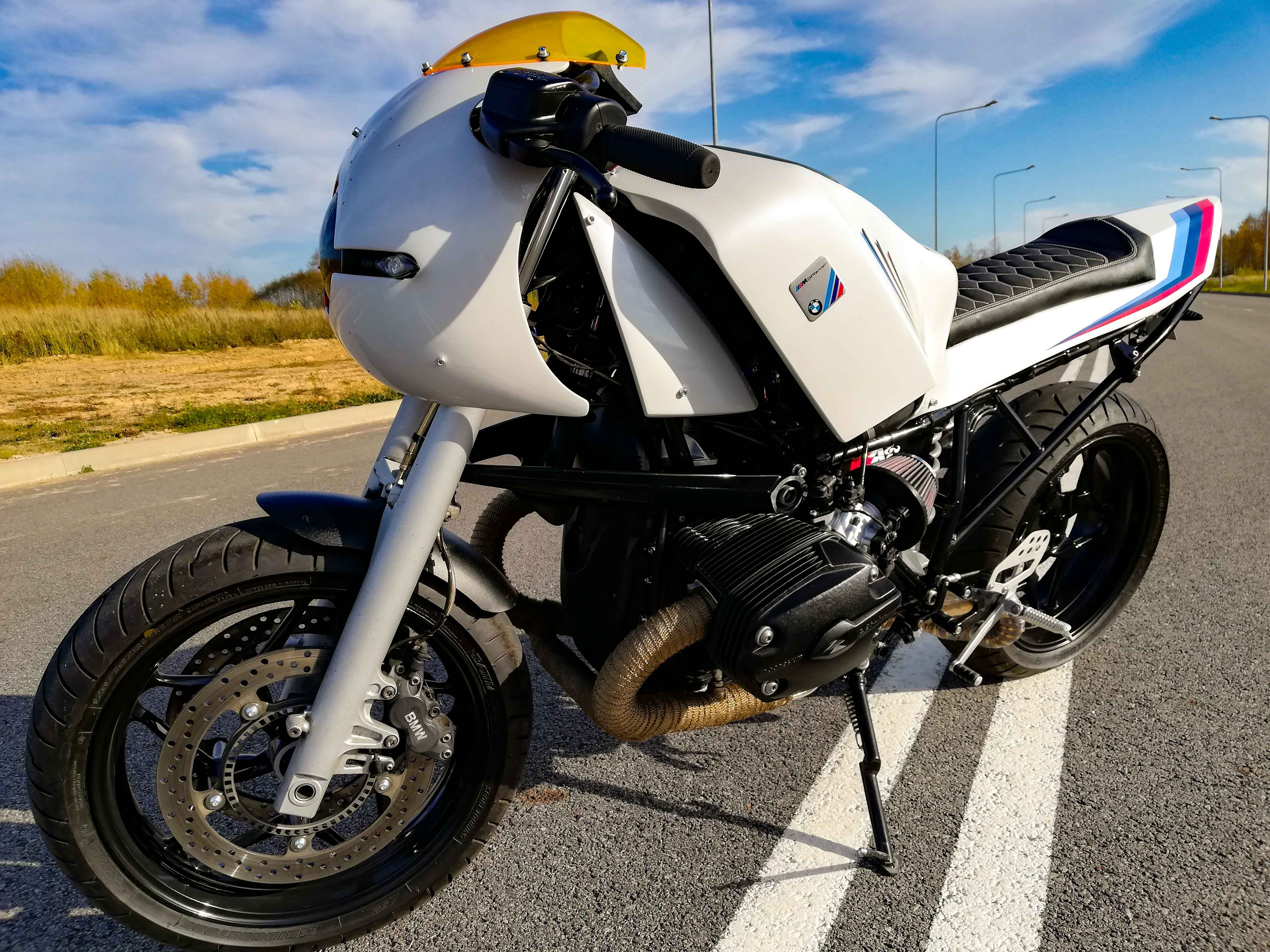 Bmw R1200rt Cafe Racer By Si Mantas Cafe Racers Pinterest Bmw