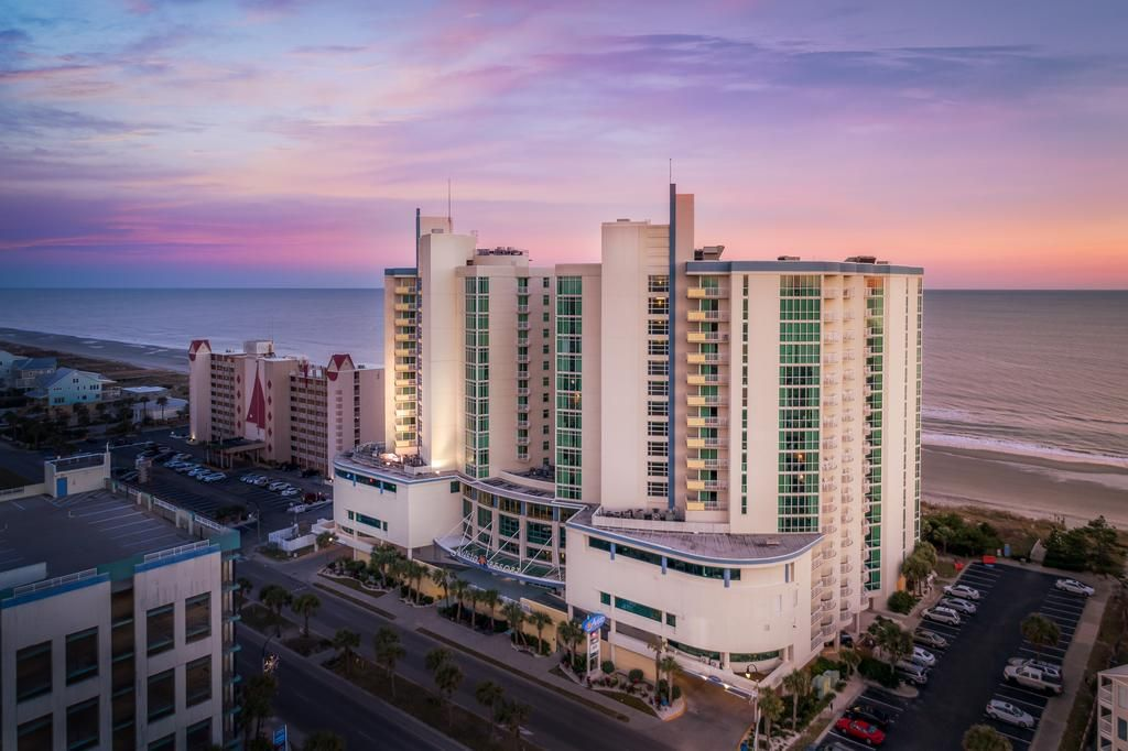 This Beachfront North Myrtle Beach Avista Resort Is Family Friendly And Offers 1 2 And 3 Bedroom Apartment Myrtle Beach Hotels Myrtle Beach Resort