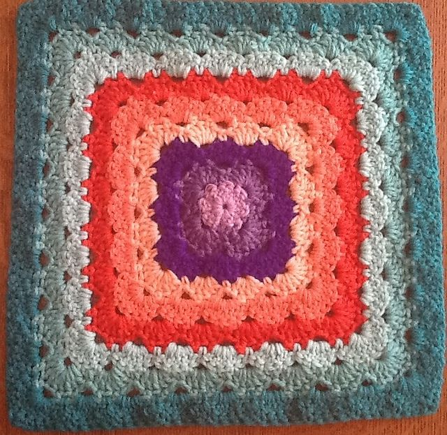 Free Pattern] Shell Stitch Granny Square Variations Never Looked ...
