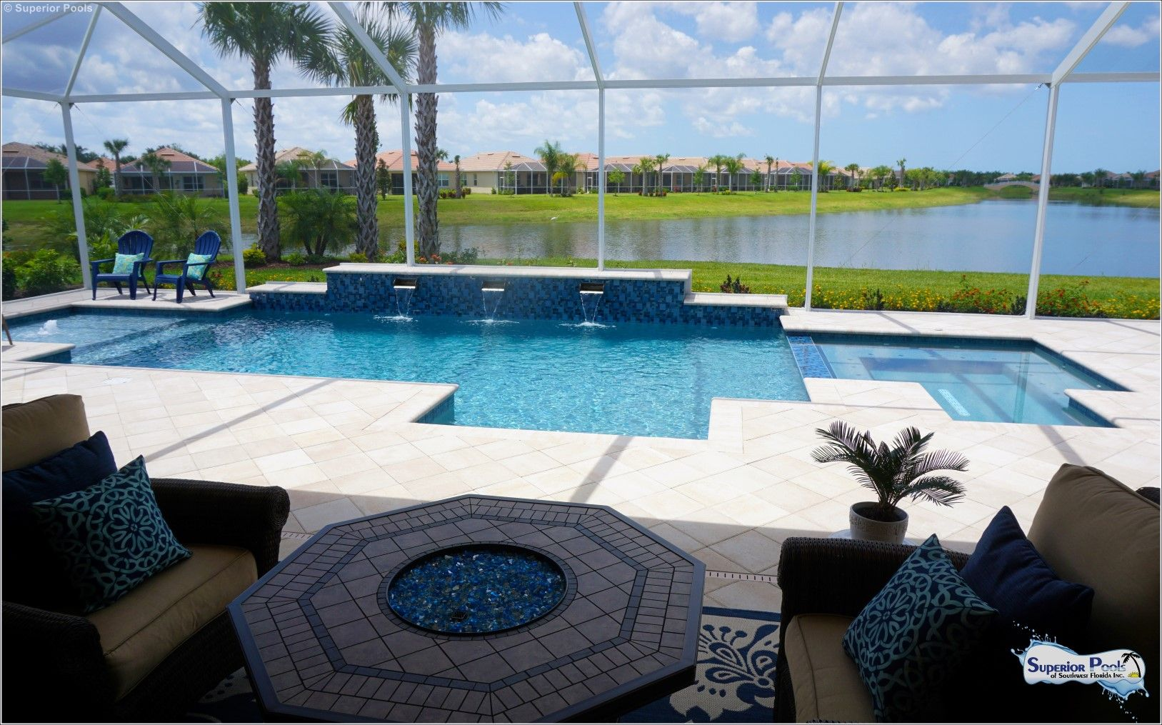 Unraised Spa I Like This Idea That Table Too Superior Pools Of Southwest Florida New Construction Swimming Pool House Florida Pool Swimming Pool Designs