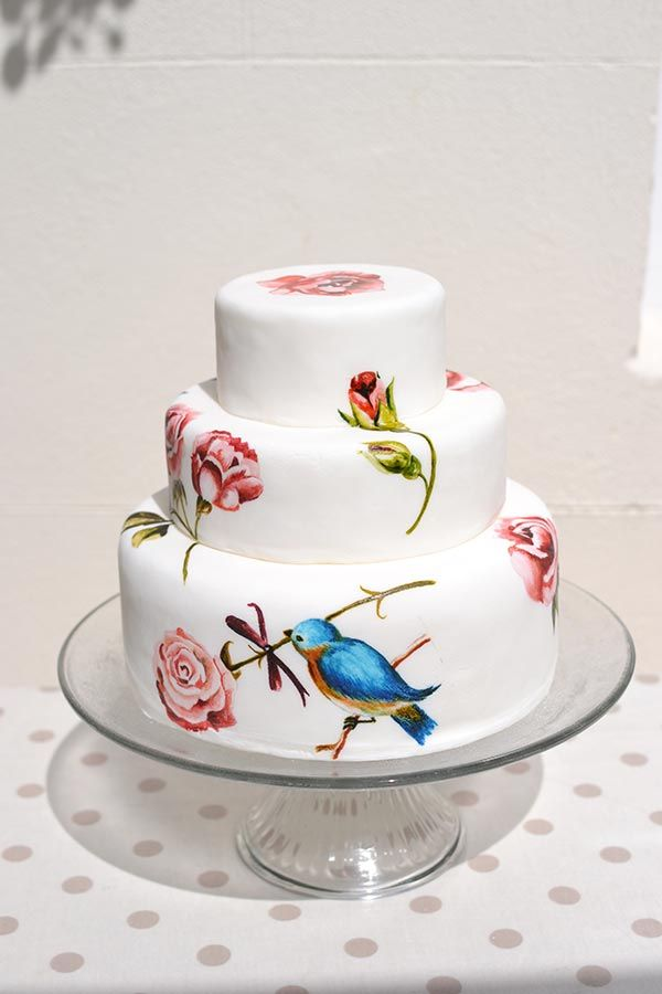 Images Of Painted Cakes Designed By Murrayme Look Through The Photos Vintage Fl Wedding Bird And Ivy Erflies Other Cake Designs