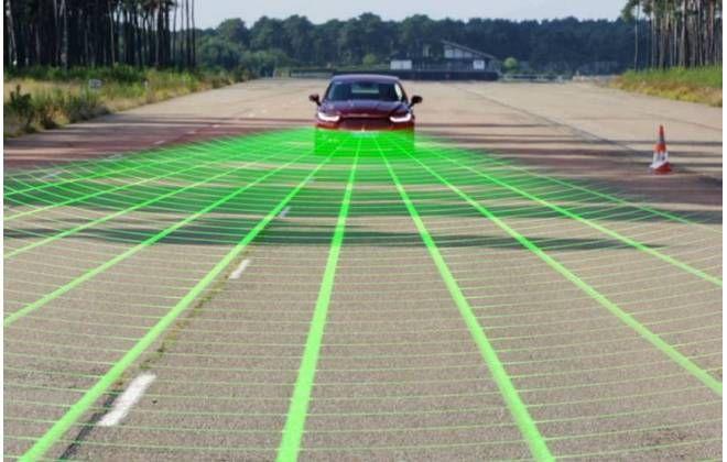 Notícia: Carros com freios automáticos de emergência devem ser padrão até 2022