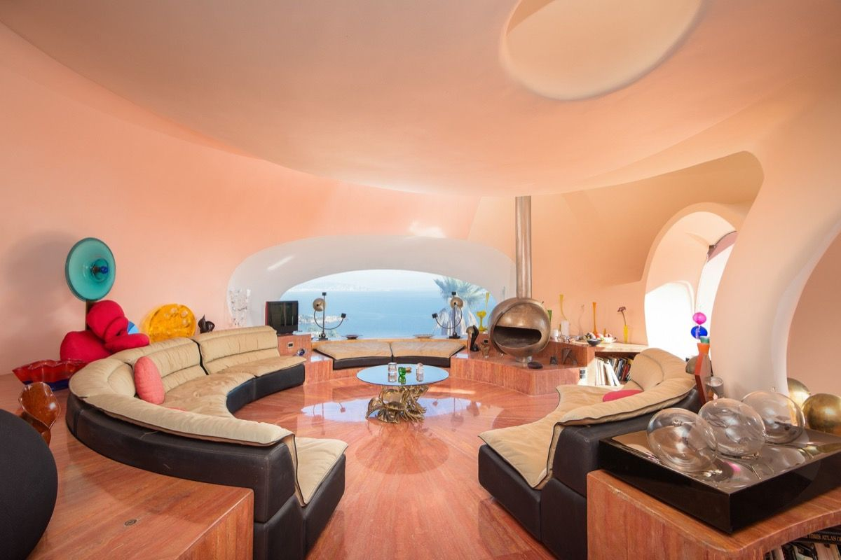 Take A Tour Of Pierre Cardin S 300 Million Pound Bubble Mansion Expensive Houses Bubble House Home
