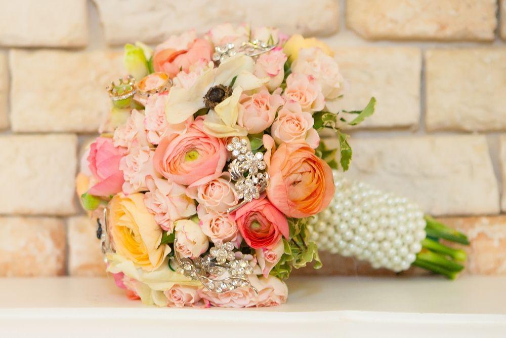 Bouquet misto de rosas. Super delicado.