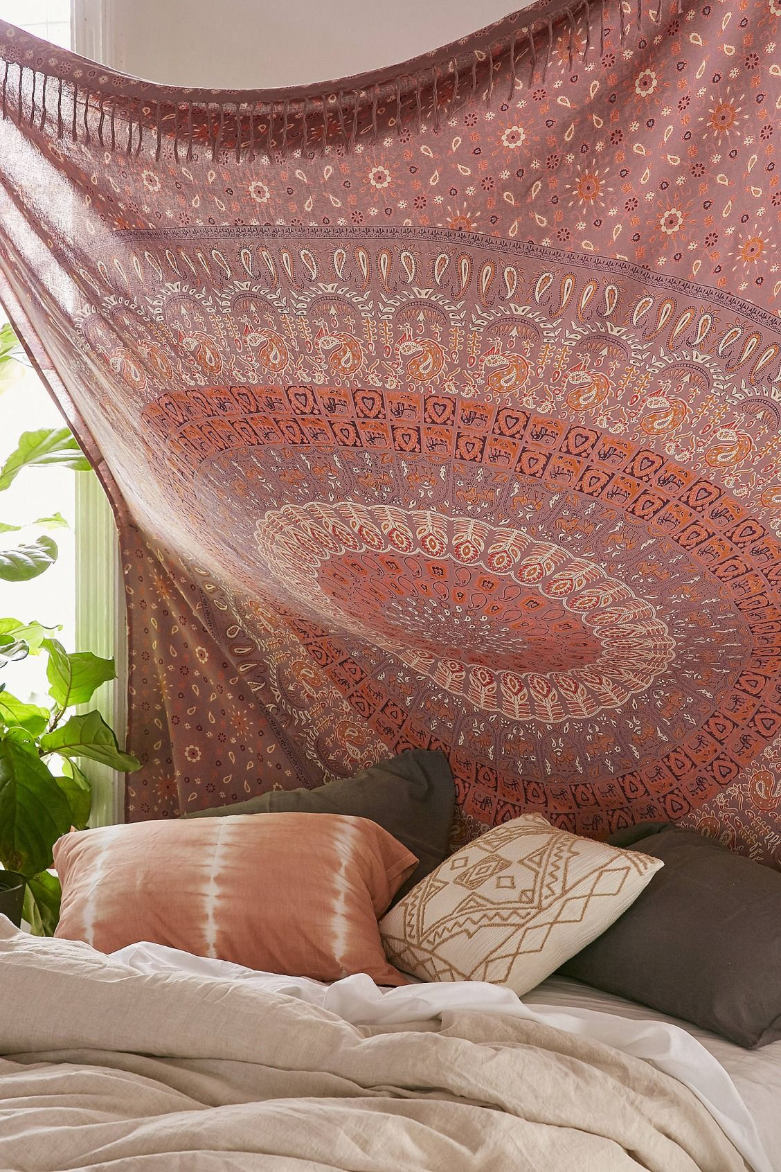 Urban outfitters bedroom tapestry - Maina Medallion Tapestry Urban Outfitters Home Gifts Bedding Throws Blankets