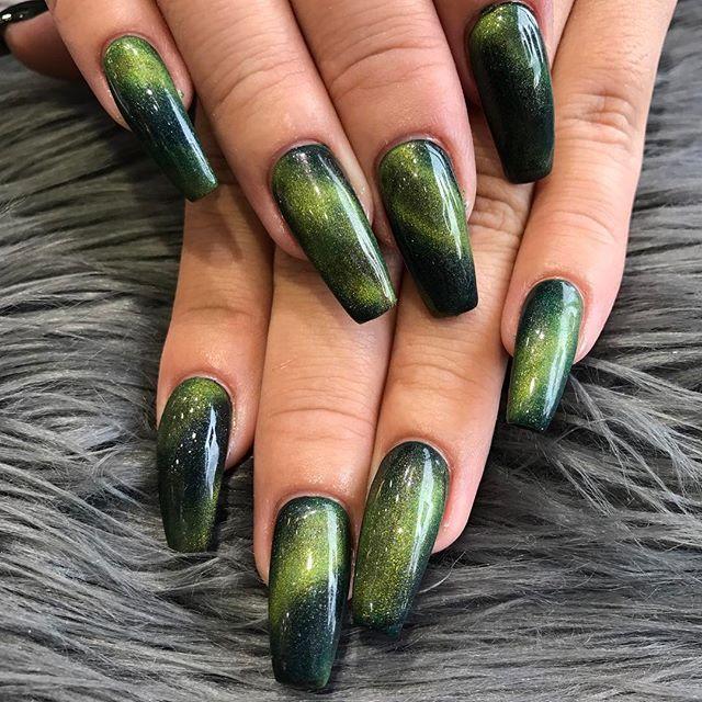 Nails By Sofia Cateye Glamorous Nails Cat Eye Nails Green Nails