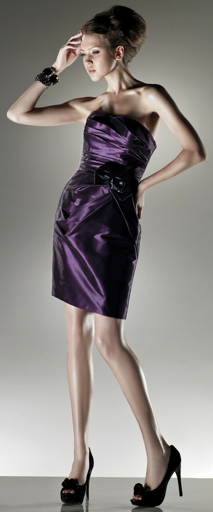 Elegant pleated taffeta short length dress fashion pantry