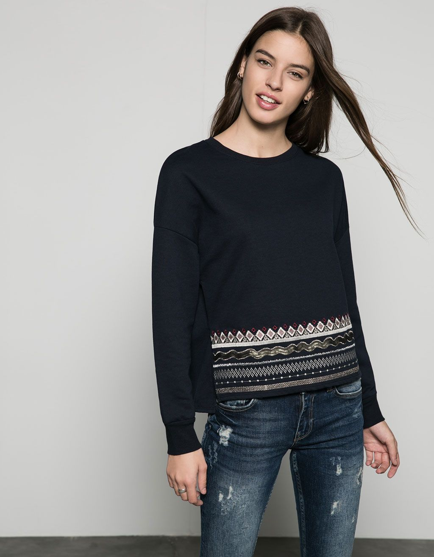 Pull brodé en bas - Sweat-shirts - Bershka France