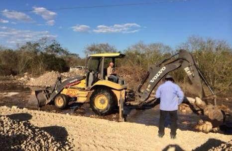 #ENTÉRATE: Progreso se quedará sin serv de agua potable hasta mañana por la tarde: paran bombas para reparar fuga causada por maquinaria. http://bit.ly/1DNWklG