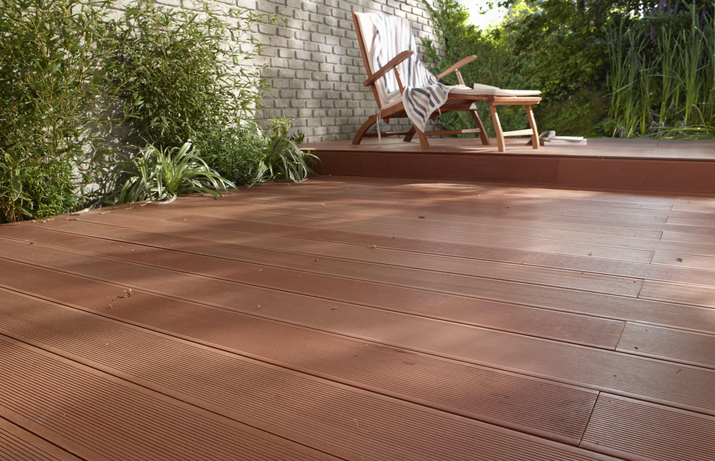 Pour Habiller Vos Exterieurs Avec Une Touche Evidente De Deco Tout En Beneficiant Des Avantages Du Composite La Lame Lame Terrasse Terrasse Composite Terrasse
