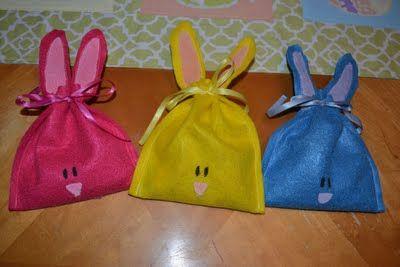 Easy felt bunny treat bags