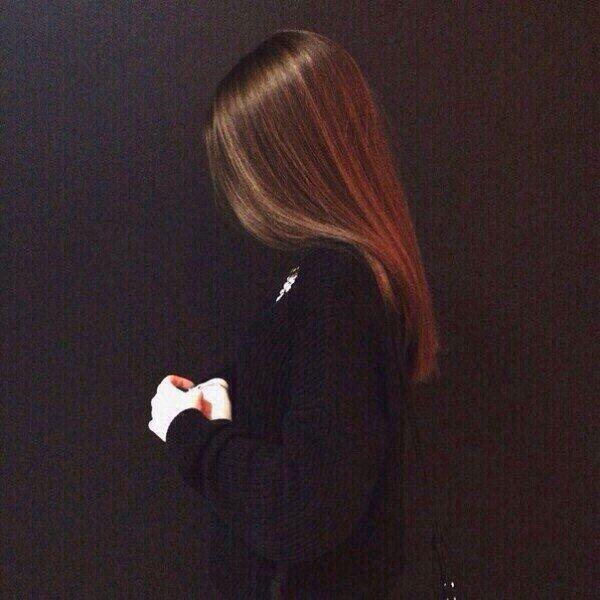 Foto Rusoj Devushki Na Avu 42 Kartinok Shutniki Club Girl Back Photo Girl Hiding Face Cute Girl Photo