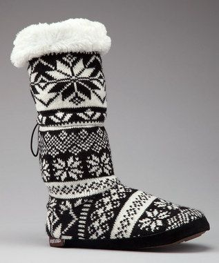 Black & White Nordic Toggle Boot ~ MUK LUKS Ü Similar to the ones I have been wearin non stop this past month that i got afew yrs ago as an xmas gift