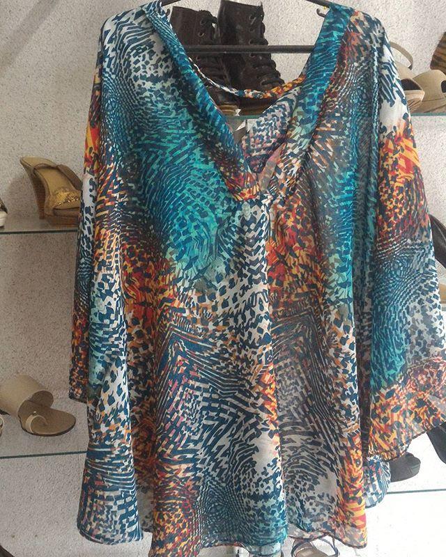 Linda blusa manga morcego que fica linda com nossas calças bandagem.  Peça a sua. Somente 69 merrecas.  Venha nos conhecer. Enviamos para todo lugar. Rs Aceitamos cartão. Garantia de primeira troca sem custo.  #preço justo #saialonga #suede #circuitoerrejota #blusailhos #blusa #blusailhoses #tricot #tricô #trico #bohochic #invernocarioca #inverno2016 #friocarioca #modafeminina #linda #chique #novidadesmoda #macacao #calcaflaire #calcabandagem #calca #calcabandagemflaire #highspirits #hi...