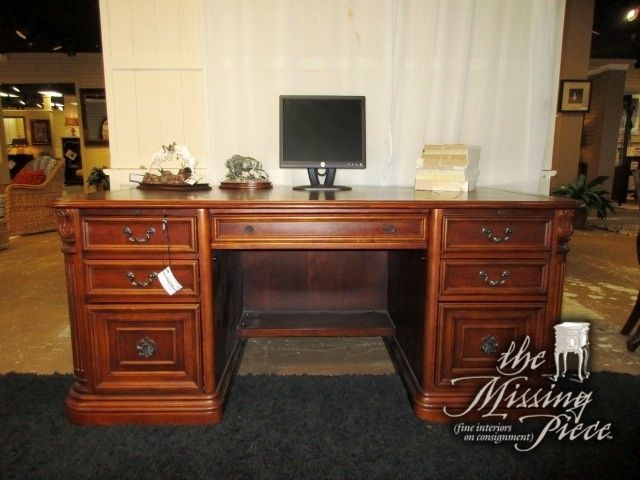 Executive Desk In A Medium Finish With Leather Inlay Top This Has Four Drawers And Two Filing Ideal Piece For Traditional Style Office 72