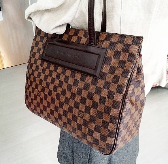 25809f092a2aa LV Parioli daimer ebene condition very good RM3990 . With dust bag L36 H18  W 11cm 🎁 redeem it free with Maybank  CIMB credit card points 🎁